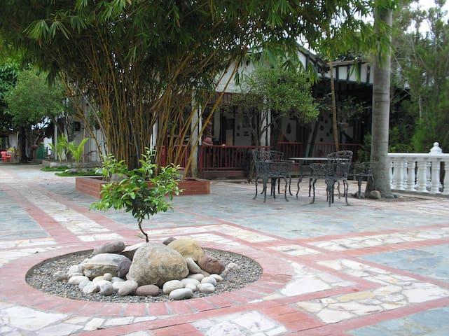 Hostal Granja Tolcaribe. Dias seman - Saldaña - Cabaña
