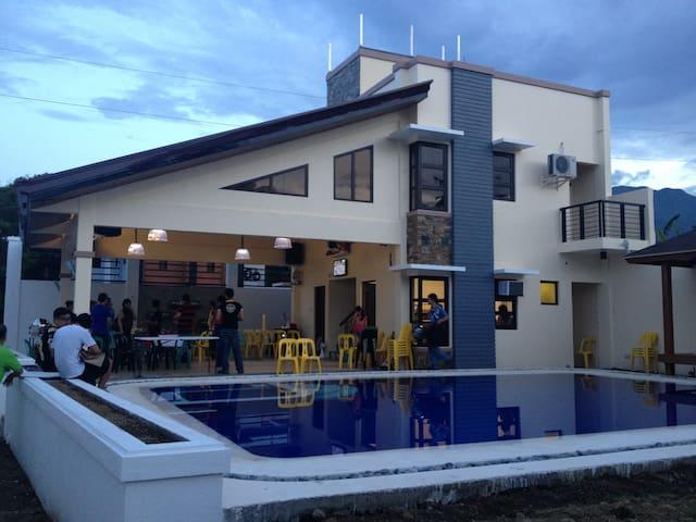 guevarra resort - Calamba - 獨棟