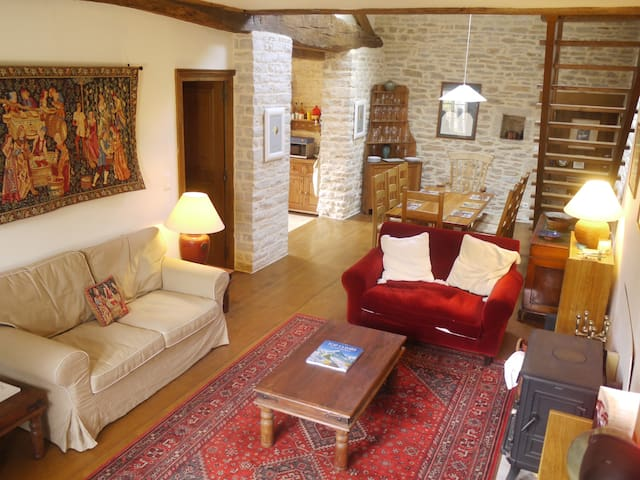Large 4/5 bedroom village house - Chassey-le-Camp - Huis