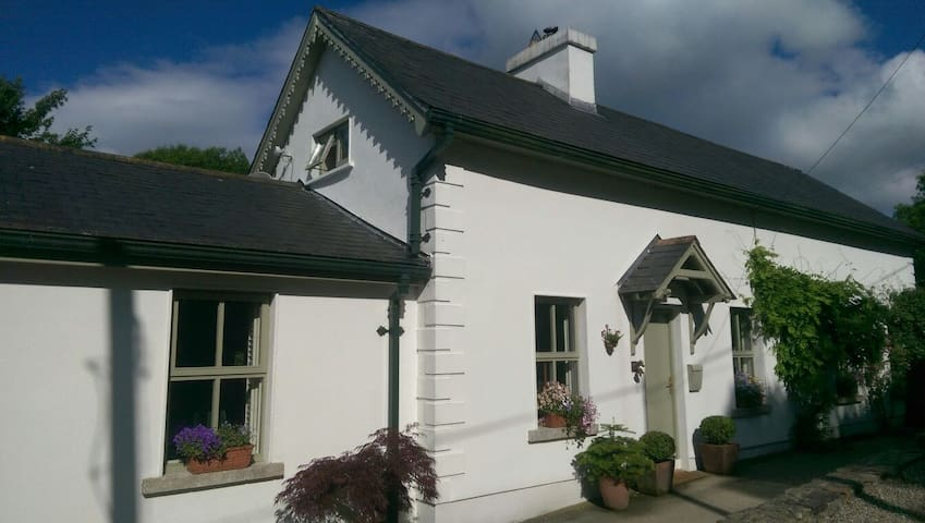 Extended Traditional-style Cottage - Rathdrum - Hus