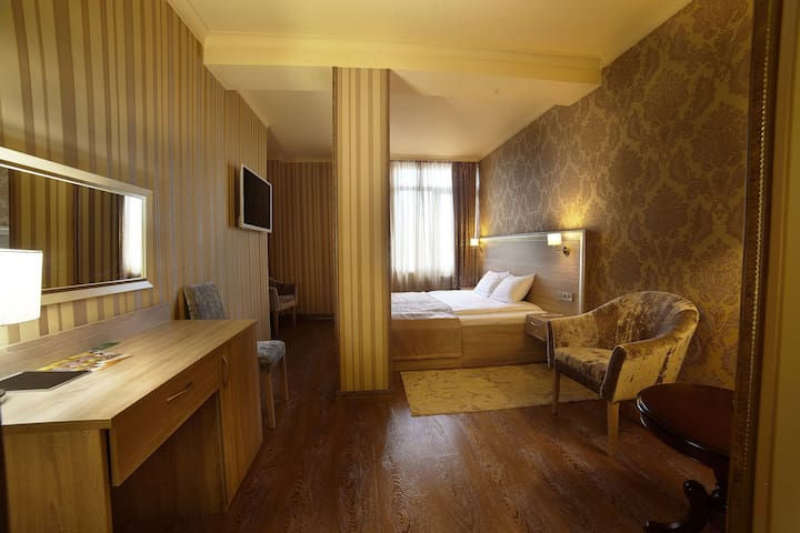 Небольшой частный отель, в 5 км от - деревня Мисайлово - Bed & Breakfast