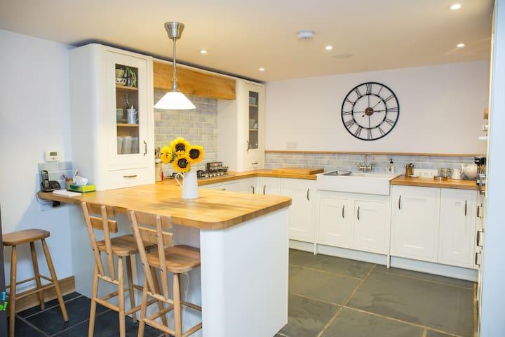Twin or double en-suite, in quiet family home - Ulverston