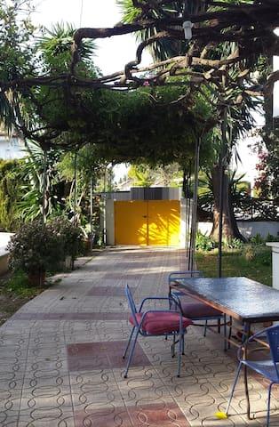 Habitación, piscina y fácil aparcar - Valencina de la Concepción