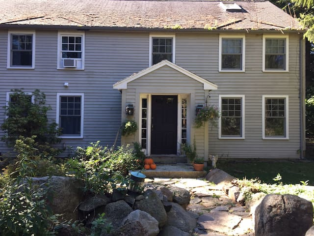 The Smith House in Rockport, a seaside village - Rockport - Hus