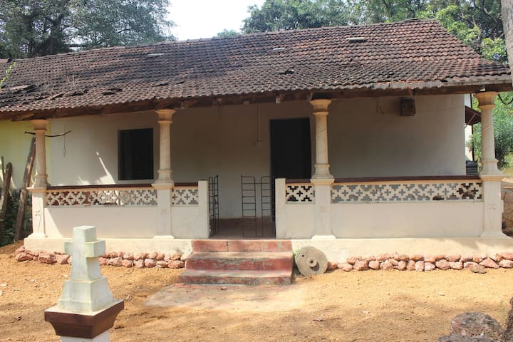 Old Portuguese house for rent - Anjuna - Maison