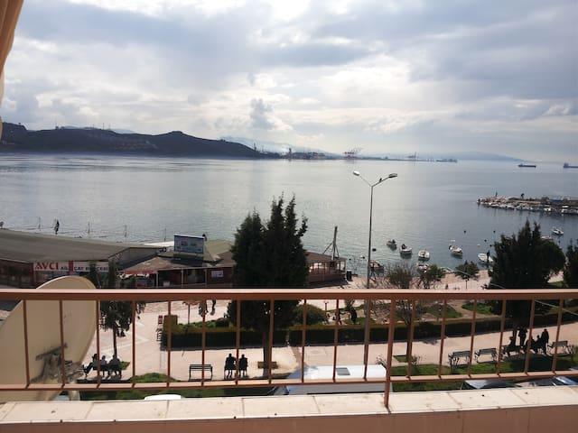 Extraordinary sea view. Just opposite Marmara Sea. - Gemlik - Квартира