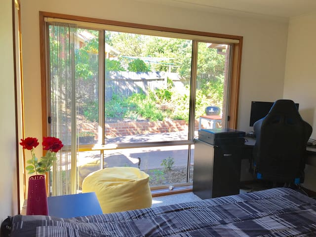 Bright and cozy room in Canberra - Palmerston - Hus