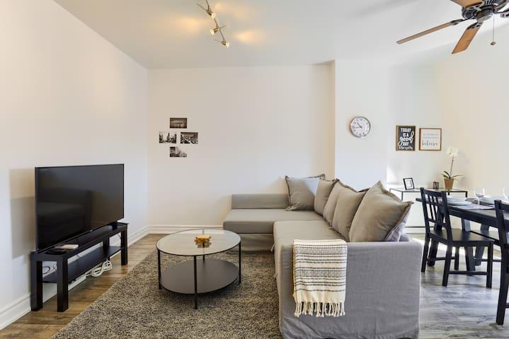 A Bright & Modern Apt 3 - Centrally Located! - Toronto - Lägenhet
