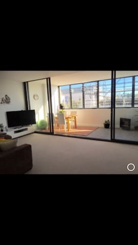 Entire home - super comfy 2 bed - Dee Why - Appartement