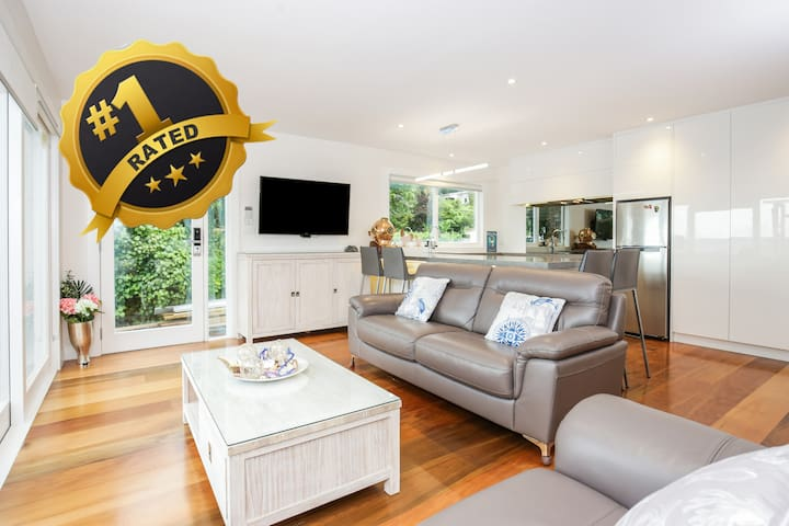Absolute Beach Front at French Bay - Titirangi - Apartemen