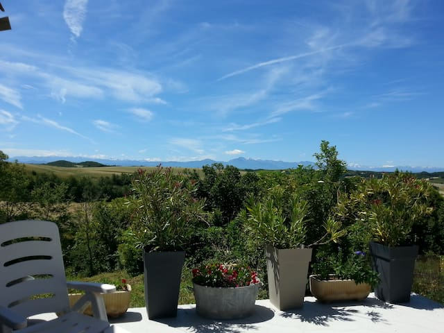 Maison avec vue sur les Pyrénées - Hounoux - Rumah