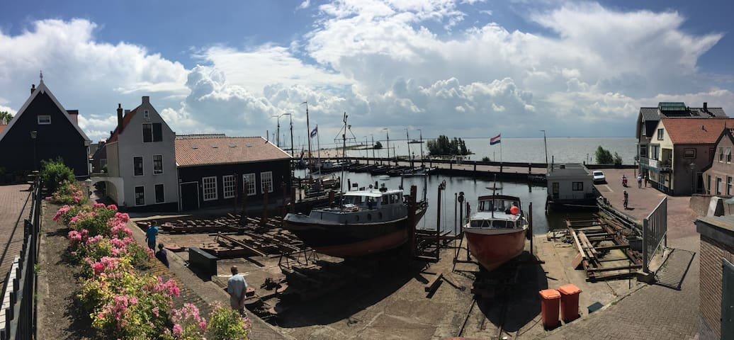 Welcome at Wijk 1-9 on the former island Urk - Urk - Talo