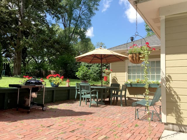 Carriage house with private garden - Minnetonka - Casa