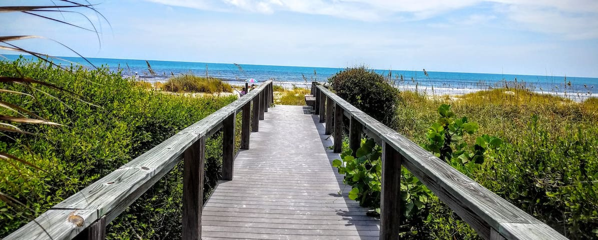 Fabulous Cocoa Beach Ocean Front View Condol! - 케이프 커내버럴(Cape Canaveral) - 아파트(콘도미니엄)