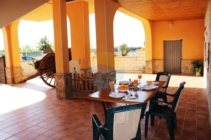 House right by the Ebro river, perfect for familie - Deltebre