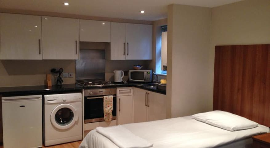 Studio double Apartment - High Wycombe - Daire