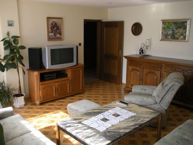Nature apartment/120m²/free P &WiFi - Ig - Leilighet