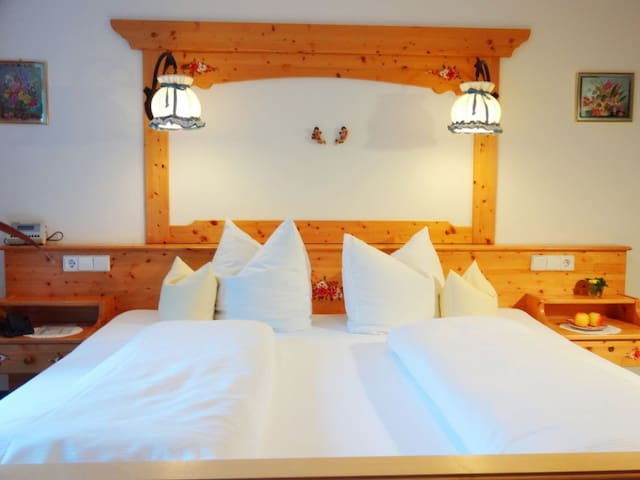 Doppelzimmer mit Balkon - Lauterbach - Casa