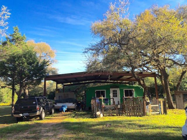 Poor man's cabin - Hallettsville