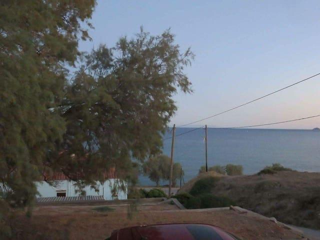 Entire house near the sea - Lilikas - Casa