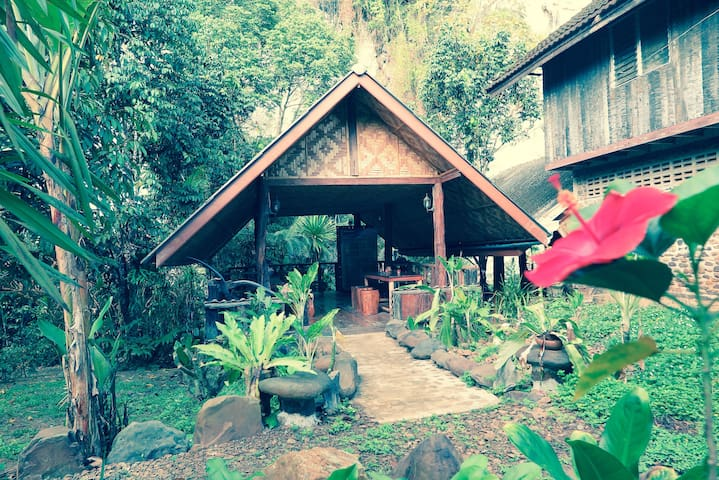 Bungalow with Silver Cliff View - Khlong Sok - 平房