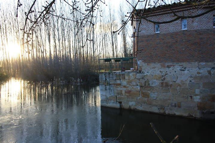 Precioso Molino sobre el Río Tormes - Huerta - Other