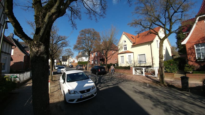 Charmante 2,5 Zimmer Whg Karl May - Bad Segeberg - Appartement