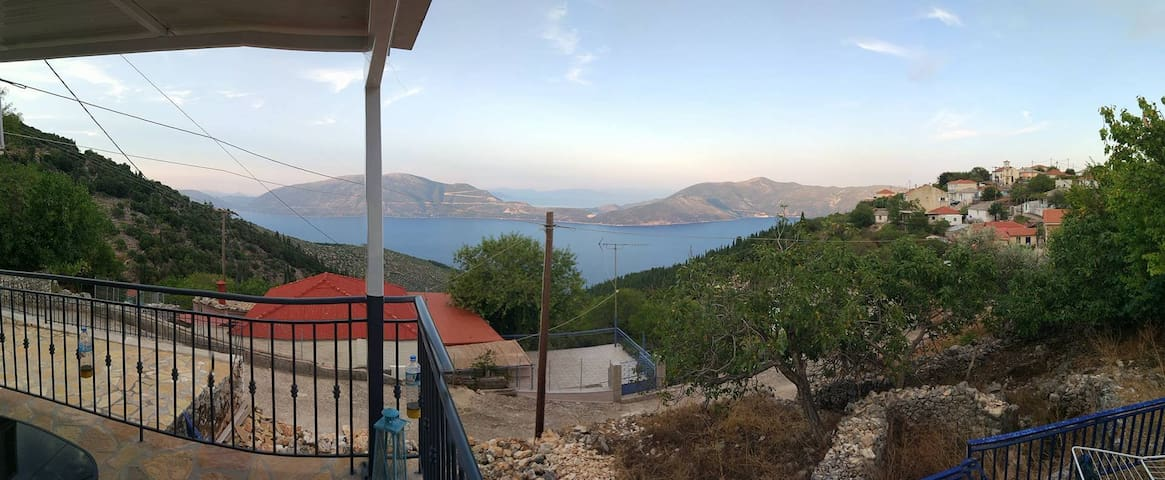 Spectacular view family vacation house - Kefalonia - Ev