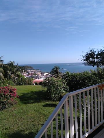 Schöne Sicht, grosser Garten, Strand nebean - La Trinité - Haus