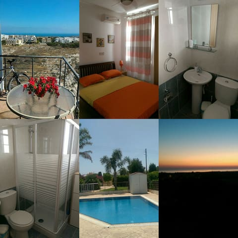 PRIVATE DOUBLE ROOM WITH BATHROOM - SEA VIEW - Paralimni