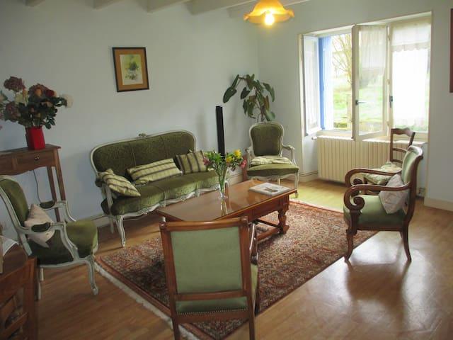 Chez MiJo à la campagne - Fomperron - Huis