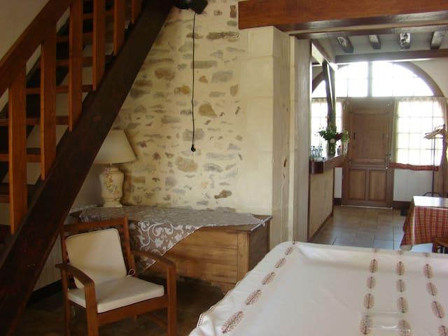 LOGEMENT PROCHE CIRCUIT 24 heures DU MANS - Saint-Ouen-en-Belin - Hus
