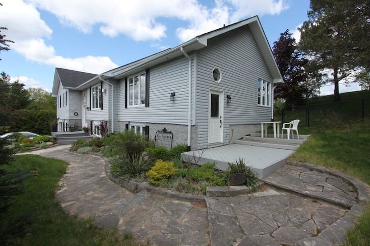 Cozy, Quiet and Private country home - Kawartha Lakes - Gästsvit