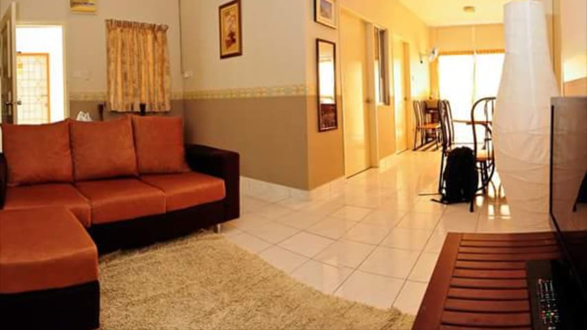 3-Bedroom apartment on a private Borneo beach - Papar - Appartement
