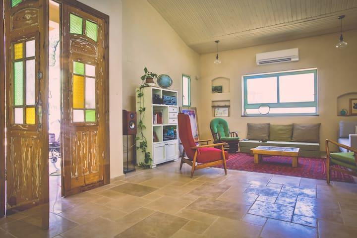 the eco-villa in the galilee kibbutz - Nofit - Casa cueva