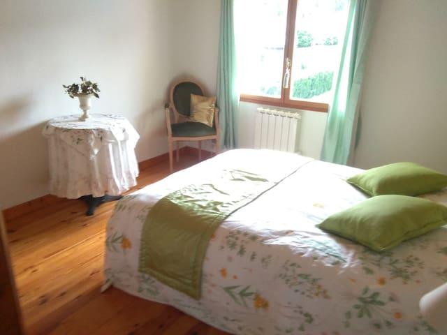 """""""La Source"""" chambre d'hôte cocooning à la campagne - Vichel"""