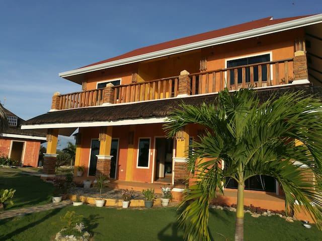 Saschas Place Beach House - Siquijor - Villa
