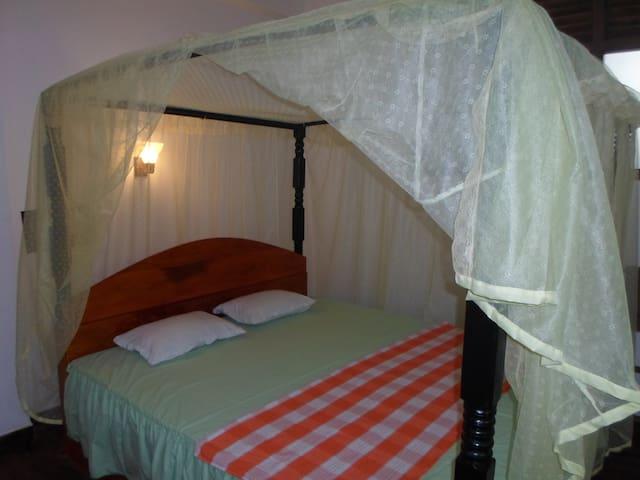 Double Room in Eco Villa-Sinharaja - Deniyaya - Bed & Breakfast
