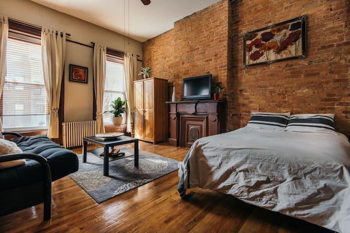 Brownstone Studio - Brooklyn