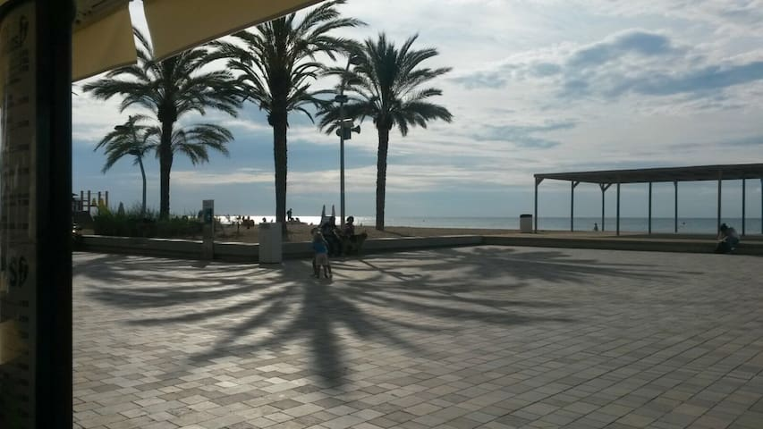 estudio ideal a 1 minuto de la playa - Calafell - Apto. en complejo residencial