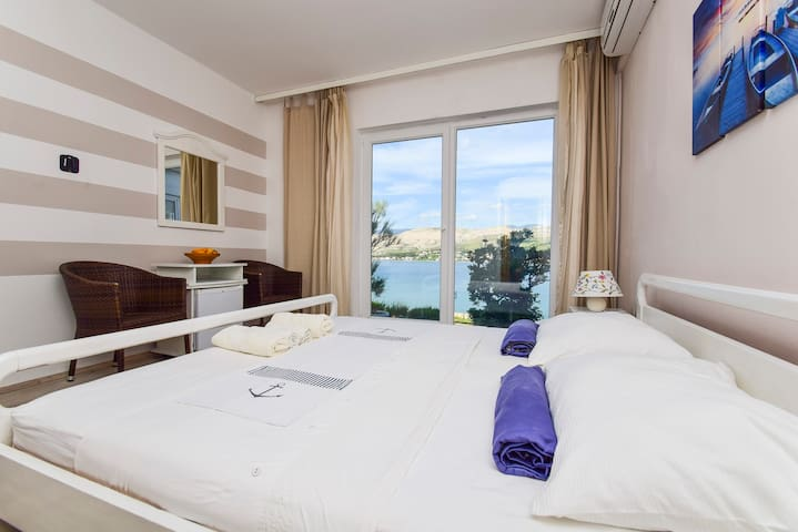 Revelin Guest House, Pag - Sea view (no balcony) - Pag