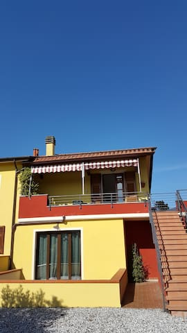 la tua casa tra collina e mare - Sarzana - Casa
