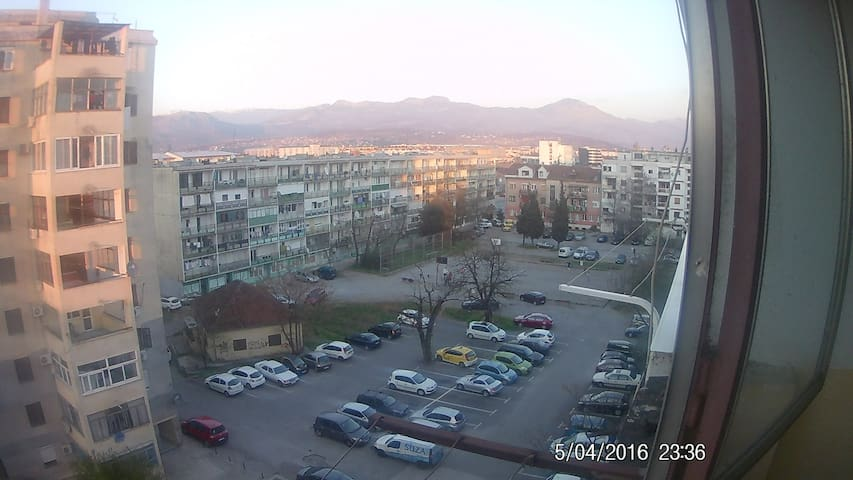 Fun & Friendly Uncomplicated  bed & Ready - Podgorica - Appartement
