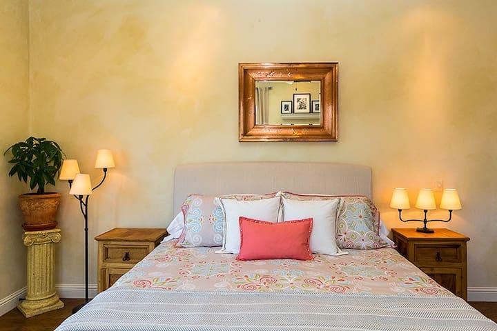 Florentina's Honeymoon suite - Coloma - Villa