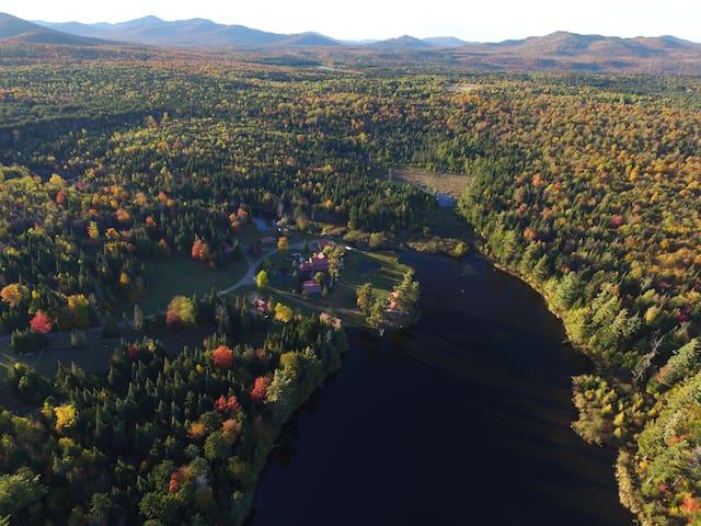 Camp Arden East Lake Cabin - Vermontville - Cabaña