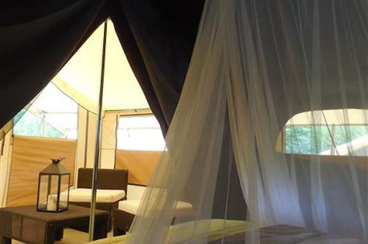 Lodge Romantika idéal pour les amoureux ! - Charny-Orée-de-Puisaye - Bungalow