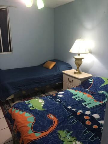 Habitación en Zona Hotelera y Segura - San Salvador - Slaapzaal