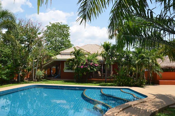 Noi's Secret Garden - Tambon Nong Kwai - Ev