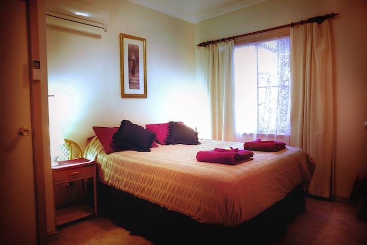 Enderslie House B&B & Farmstay. - Muchea - Bed & Breakfast