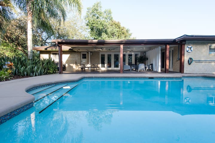 2 Br East Orlando Modern Solar Heated Pool  Home - Orlando - Rumah